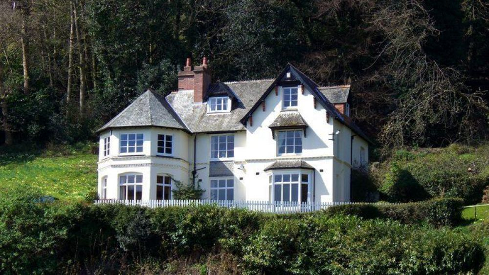 The Cleeve - Victorian Lodge set in 2 acres of gardens located in Exmoor National Park